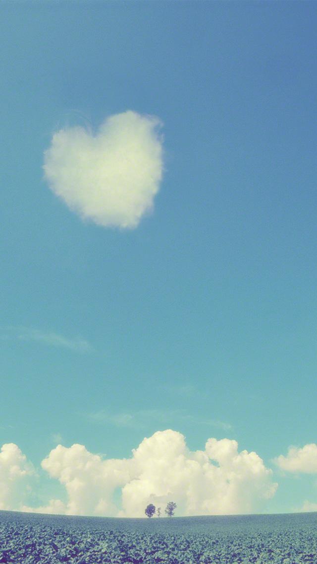 入道雲とハートの雲と親子の木
