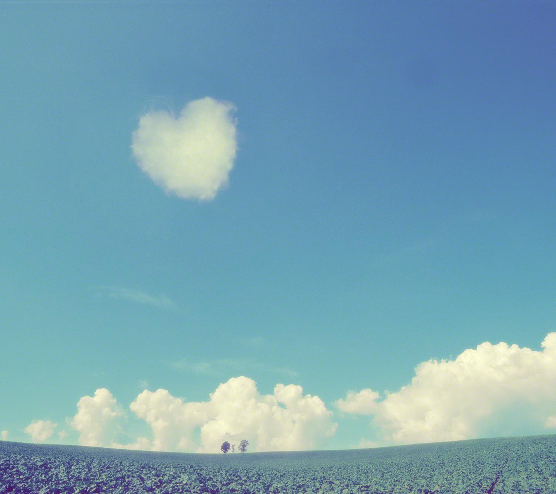 入道雲とハートの雲と親子の木(android)